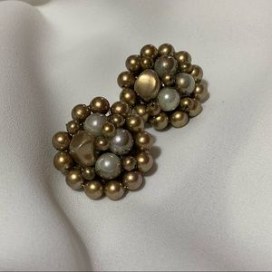 Jewelry - Vintage Pearl Cluster Clip on Earrings